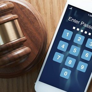 US Court Orders Defendant to Unlock Phones